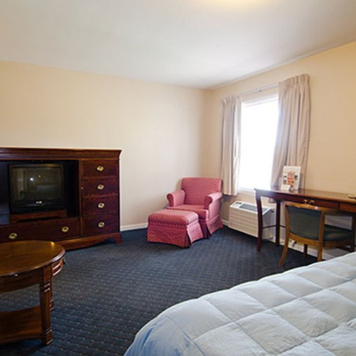 Rockford Alpine Inn & Suites - Rockford, IL