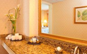 Room - Churchill Hotel Near Embassy Row DC