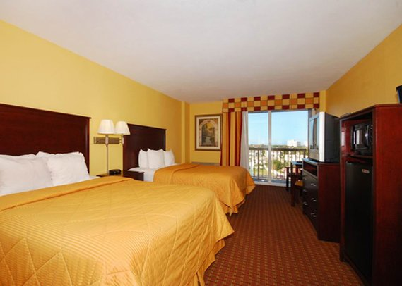Comfort Inn & Suites I-35 E/Walnut Hill