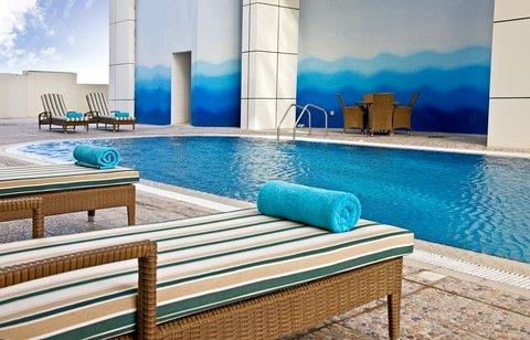 Swiss-Belhotel Doha - Pool