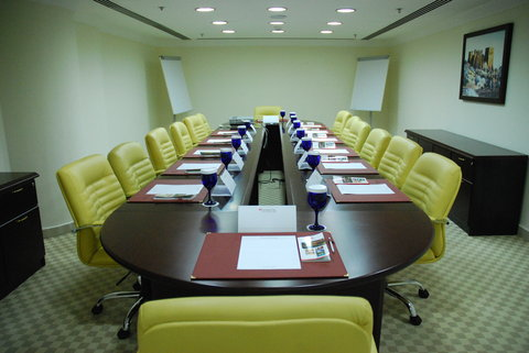 Swiss-Belhotel Doha - The Executive Boardroom