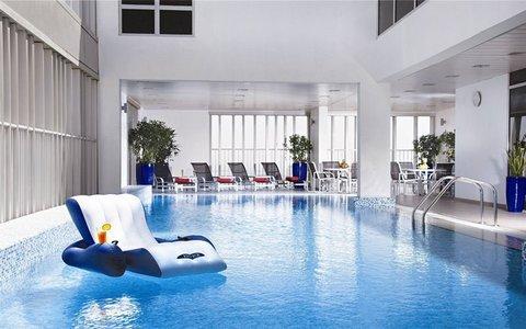 Hala Arjaan by Rotana - Hotel Pool