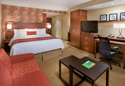 Courtyard By Marriott Calgary Airport Hotel - King Guest Room