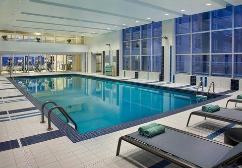 Courtyard By Marriott Calgary Airport Hotel - Indoor Pool