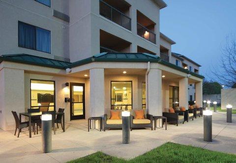 Courtyard Dayton North - Courtyard