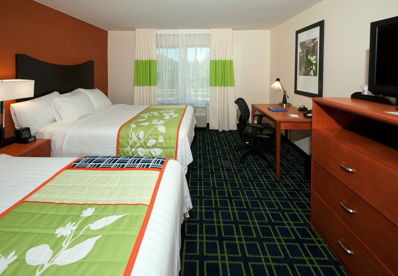 Fairfield Inn & Suites Tallahassee Central Vista do quarto
