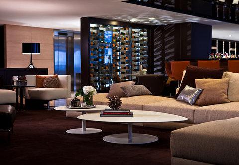Renaissance Barcelona Hotel - Cuit Bar   Lounge Details
