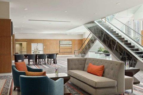 Embassy Suites Chicago DowntownLakefront - Prefunction Area