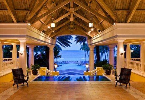 Curacao Marriott Beach Resort & Emerald Casino - Lobby - Pool View