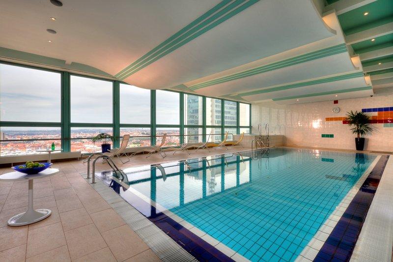 Panorama Hotel Prague Billede af pool
