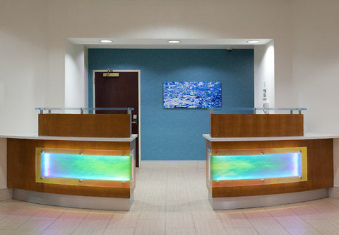 SpringHill Suites by Marriott Portland Airport - Front Desk