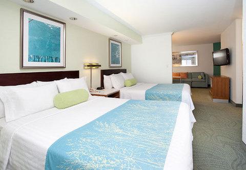 SpringHill Suites by Marriott Portland Airport - Queen Queen Studio Suite