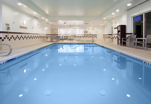 SpringHill Suites by Marriott Portland Airport - Indoor Pool   Spa