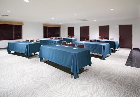 SpringHill Suites by Marriott Portland Airport - Meeting Room