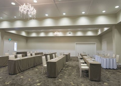 Quality Suites Deep Blue - Meeting Room