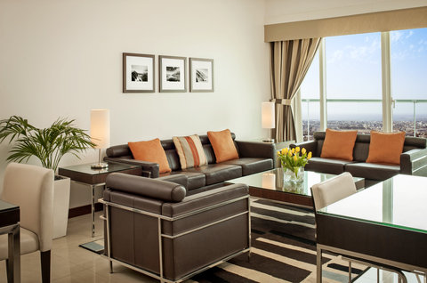 Four Points by Sheraton Sheikh Zayed Road, Dubai - One Bedroom Apartment - Living Room