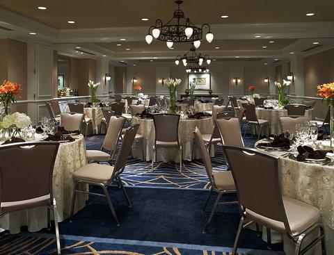 Monaco Seattle A Kimpton Hotel - Paris Room Rounds Setup