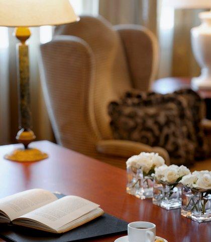 فندق ماريوت عمان - Royal Suite Work Desk