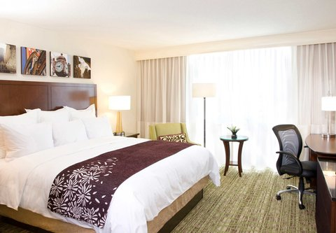 Chicago Marriott O'Hare Hotel - King Guest Room