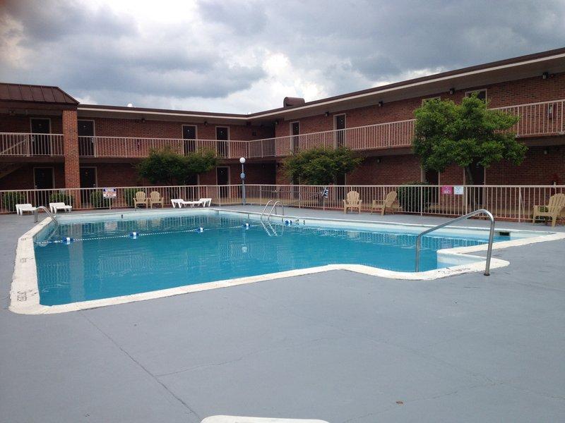 Americas Best Value Inn - Marion, VA