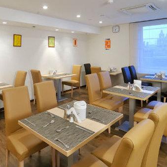 Promenade City Hotel - Resturant View