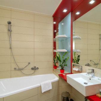 Promenade City Hotel - Bath room