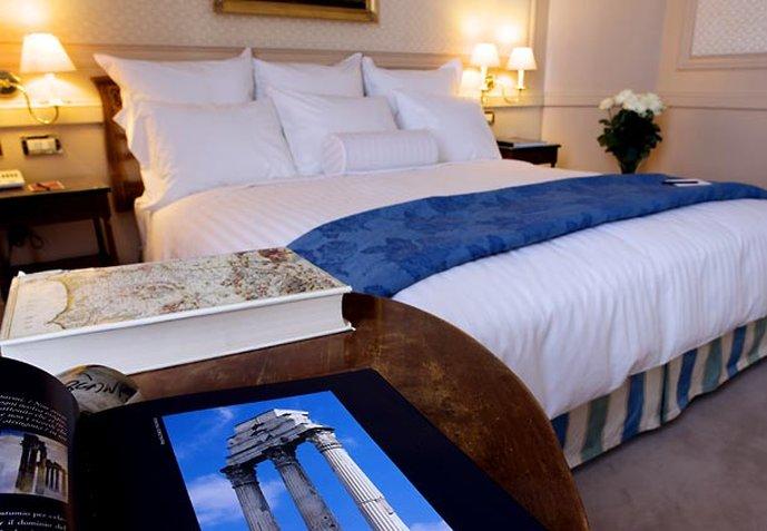 Marriott Rome Grand Flora Вид в номере