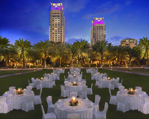 Habtoor Grand Resort, Autograph Collection - Beach Banquet