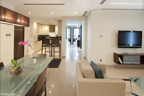 Bonnington Jumeirah Lakes Towers - Apartment - Living and Dining Area