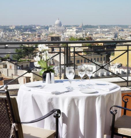 Hotel Bernini Bristol - Small Luxury Hotels of The World - Restaurant Roof Terrace