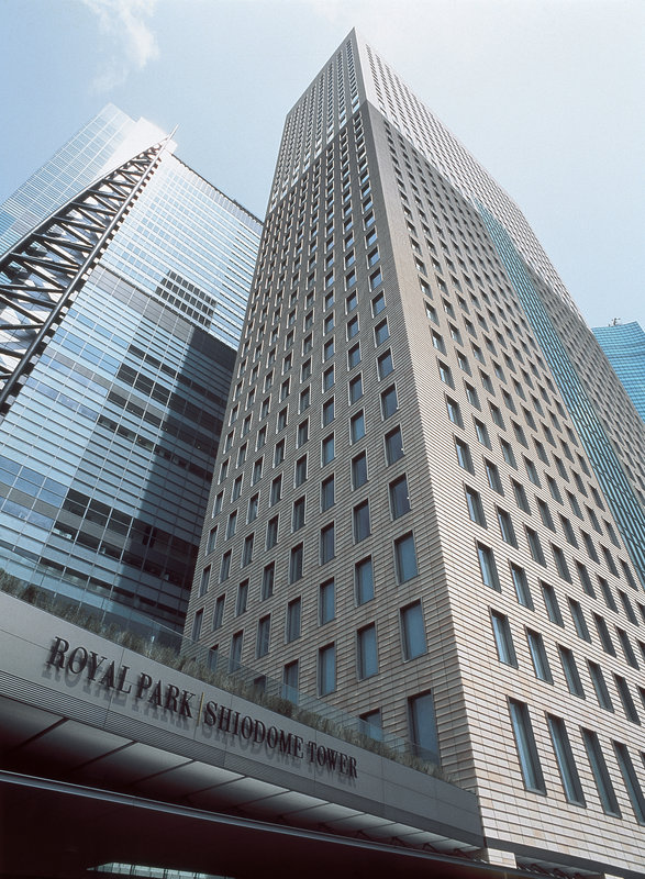 Royal Park Shiodome Tower Buitenaanzicht