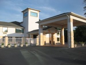 Executive inn suites sandersville ga see discounts for Villa south motor inn sandersville ga