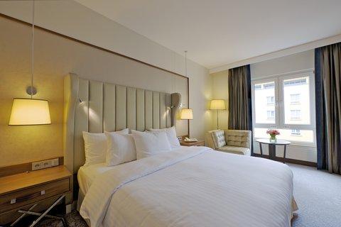 Hilton Bonn - Queen Room
