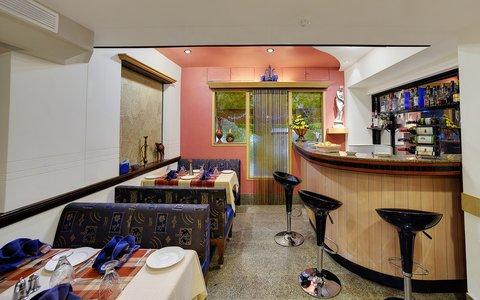 The Emerald Hotel Executive Apartments - Bar Area