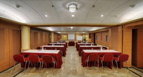 The Emerald Hotel Executive Apartments - Conference Room