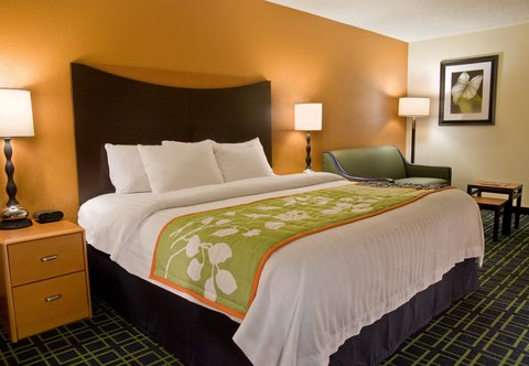 Fairfield Inn & Suites Spokane Downtown - Executive King Guest Room