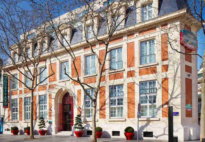 Courtyard Paris Boulogne Außenansicht