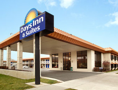 DAYS INN SUITES LOGAN