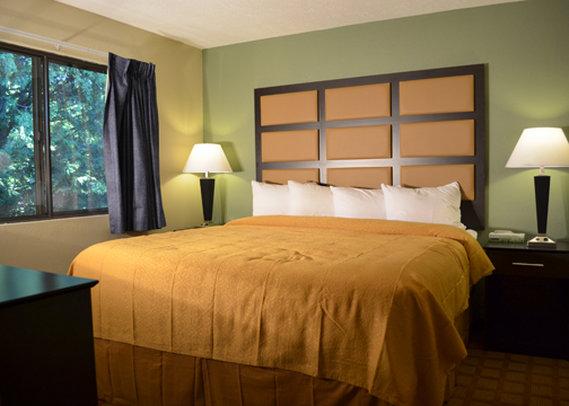 Quality Inn & Suites - Marinette, WI