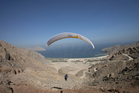 Six Senses Zighy Bay - Paraglide