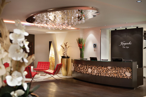 Kempinski Hotel Das Tirol - Spa Reception