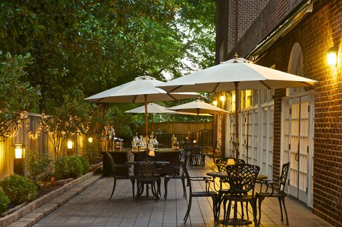 Historic Hotels of Annapolis - Governor Calvert House Patio Space