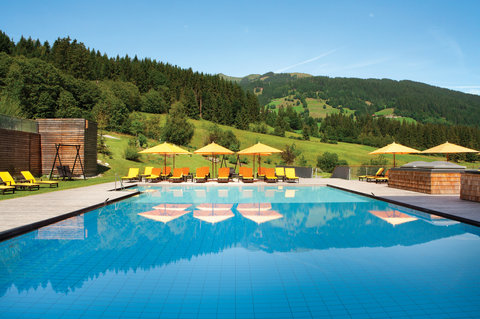 Kempinski Hotel Das Tirol - Spa Pool View