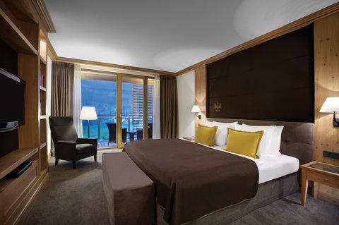 Kempinski Hotel Das Tirol - Jochberg Suite Bedroom