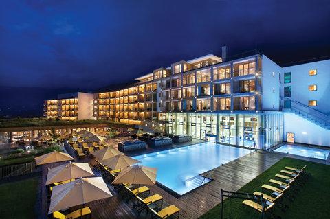 Kempinski Hotel Das Tirol - Exterior by Night