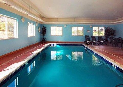 Econo Lodge Inn & Suites - New Castle, CO