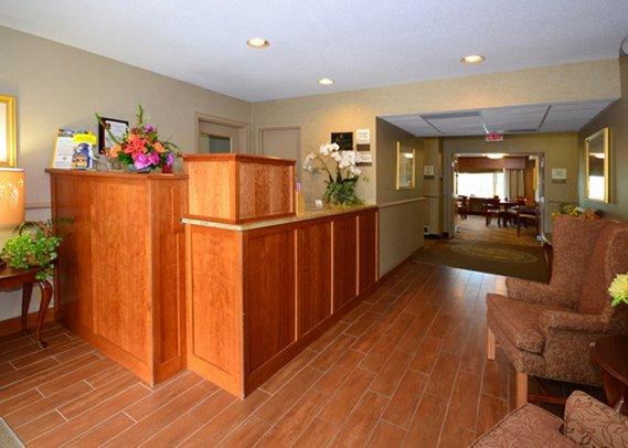 Clarion Carriage House Inn Martha's Vineyard Lobby