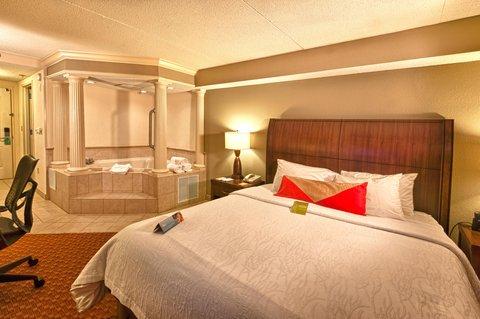 Hilton Garden Inn Chattanooga Hamilton Place - King Whirlpool Room