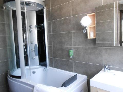 Appart Hotel & Spa Odalys Ferney Voltaire Geneve - FVSalle De Bain