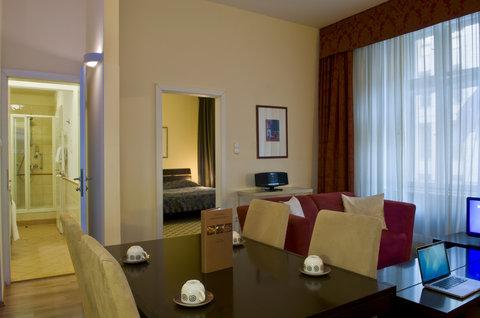 Mamaison Residence Izabella Budapest - Ambassador Suite at Mamaison Residence Izabella